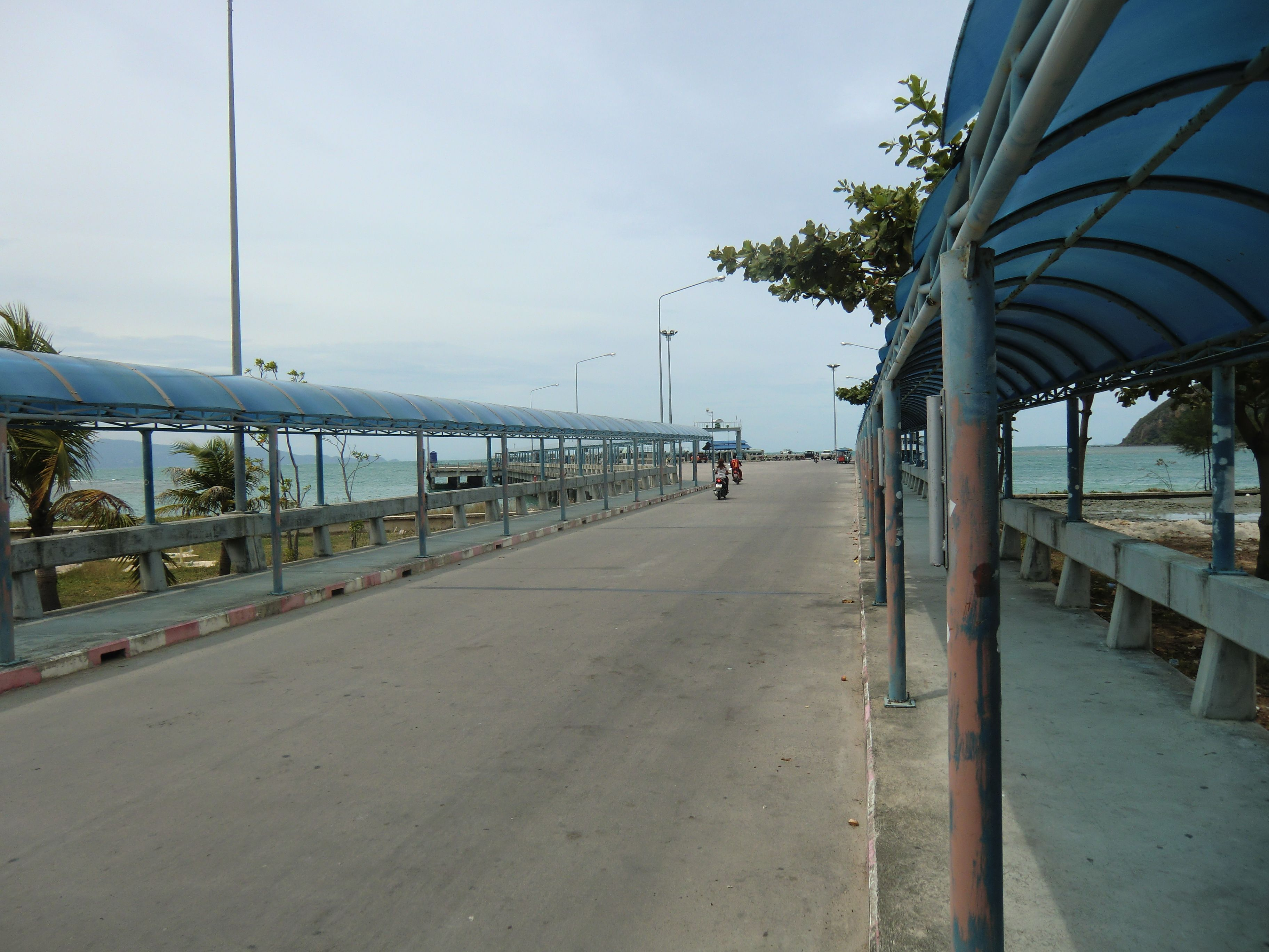 der Weg vom / zum Pier