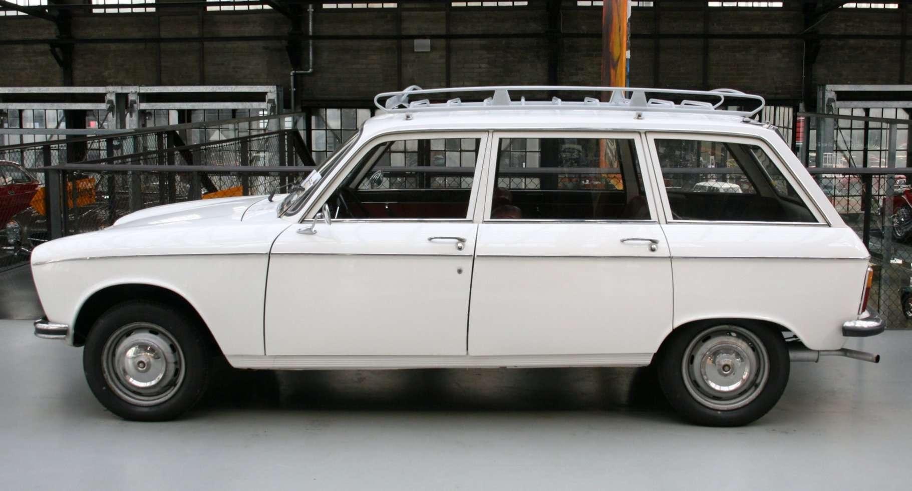 POWER CARS: Peugeot 204 Break